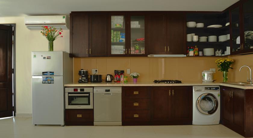 Cho thuê villa kosmos phòng bếp